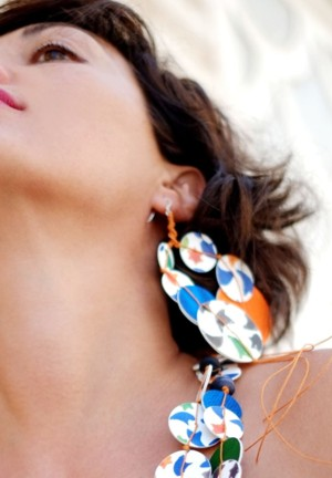 Earrings model Universo Alhambra, Day, for long necklace